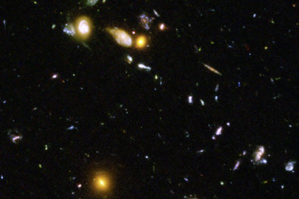 Galaxien im Hubble Ultra Deep Field